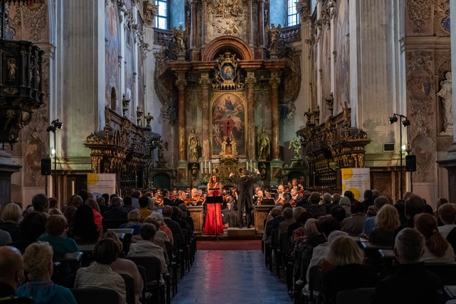 TZ - Výtěžek Zahajovacího koncertu 16. ročníku Za poklady Broumovska putuje na pomoc Moravě