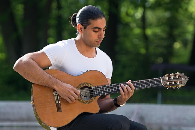 Alexandre Glize (Francie), kytara