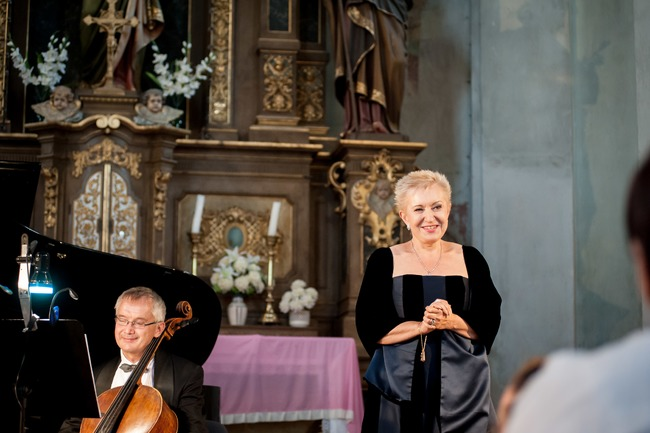 2019   Eva Urbanová a Moravské klavírní trio
